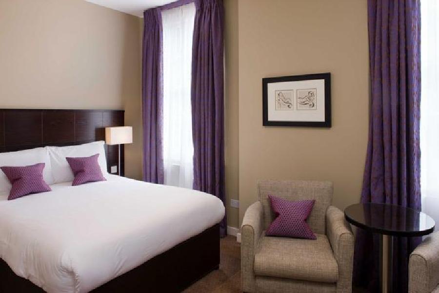 Hotel Berjaya Eden Park London 3*