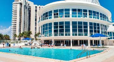 Hotel Collins Apartments By Design Suites