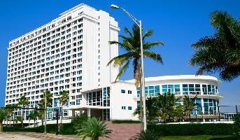 Aparthotel Design Suites At Castle Beach Miami
